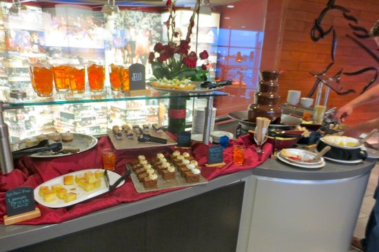 Red Shores Racetrack & Casino : Dessert bar