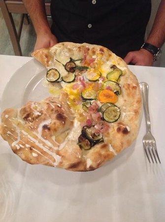 Da Stefano: la pizza a mezzaluna, eccezionale