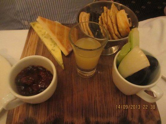 Restaurant at Shibden Mill Inn: The cheese board