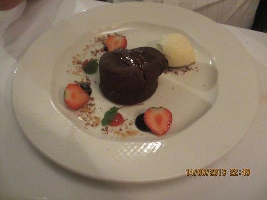Restaurant at Shibden Mill Inn: The chocolate fondant