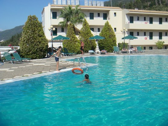 Santa Marina Hotel: by the pool