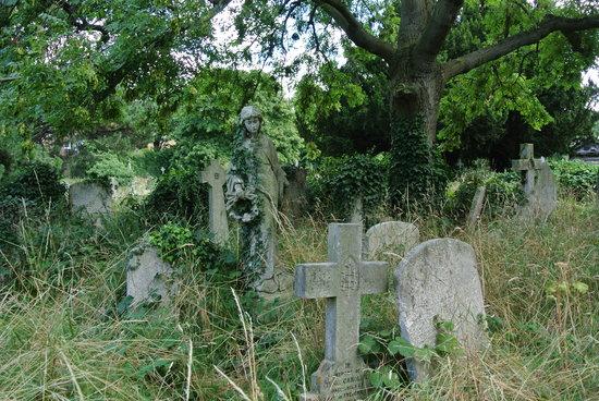 Brompton Cemetery: Hermosa figura