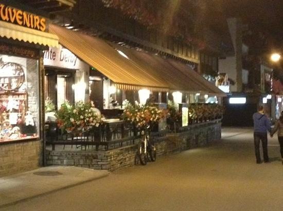 Derby: vista afuera del Restaurant