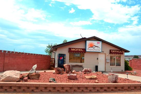 Whispering Sands Motel : Office