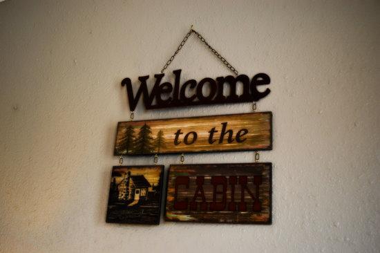 Whispering Sands Motel : Cabin