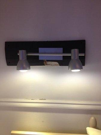 River House Hotel: classy light