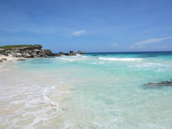 Villa La Bella : Bella Beach has crystal clear water and powdery white sand beach.