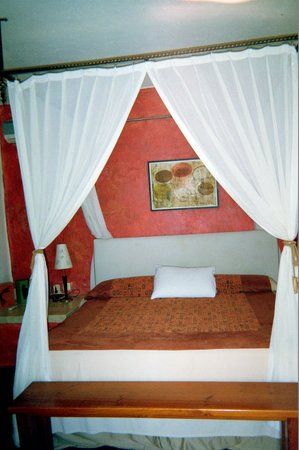 Casa Cupula: King bed in room 101