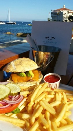 Descanso Beach Club Dining: Cheeseburger in Paradise :)