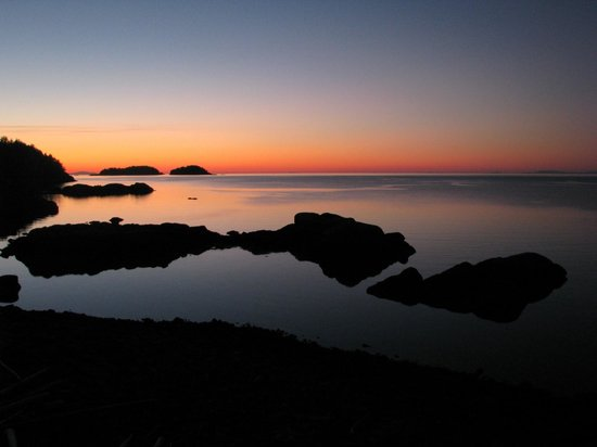 The Pointhouse at Sargeant Bay: sunrise
