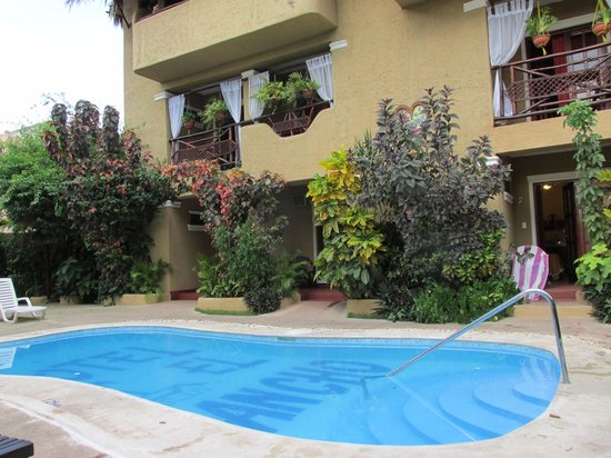 Hotel el Rancho: Pool