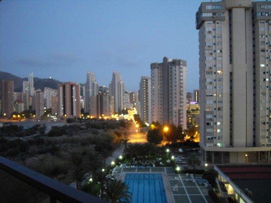 Paraiso Ten Apartments: Balcony view at dusk