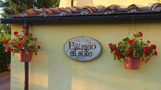 Agriturismo Poggio al Sole: A welcoming sign.