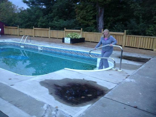 Hollow Inn and Motel : Pool not working