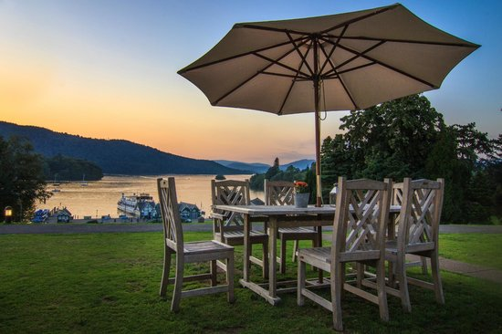 Laura Ashley Hotel The Belsfield: Sunset view on the terace
