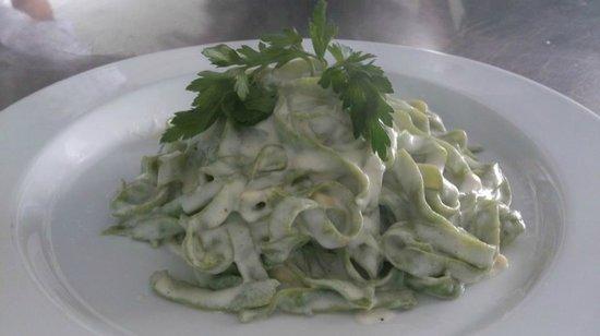 Il Giardino : Tagliatelle vertes aux quatre fromages