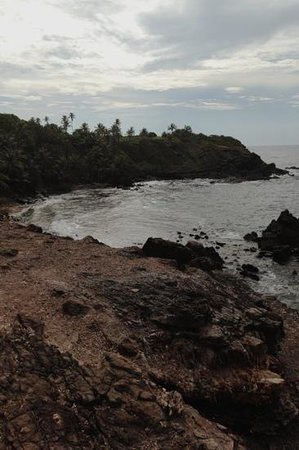Galera Point - Toco Lighthouse: scene from the cliff