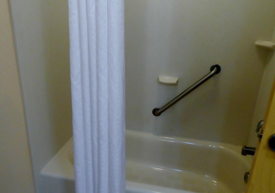Holiday Inn Express Absecon - Atlantic City Area: full bath