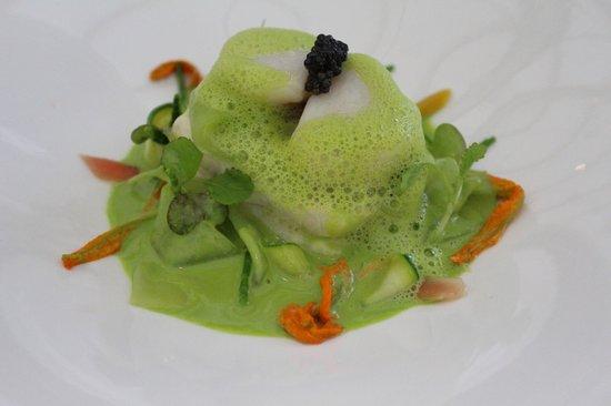 Belmond Le Manoir aux Quat'Saisons: Fish dish