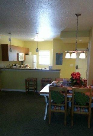 The Barefoot Suites: Cocina y comedor