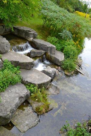 Humber Bay Park: Waterfall