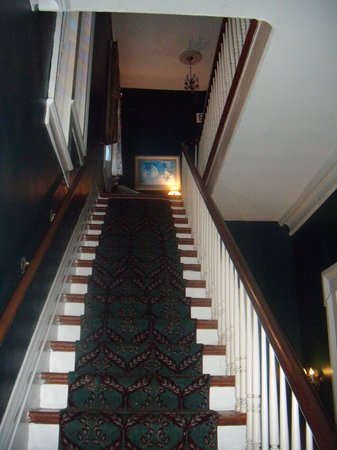 Rathbone Mansions: Stairs to our room.