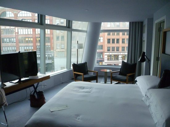 The Standard, East Village: Sleek room