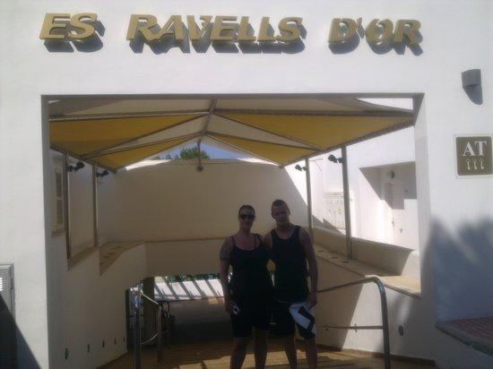 OLA Apartamentos Es Ravells D'Or: Hovedindgangen ved hotellet