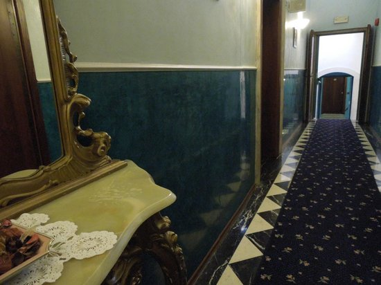 Hallway - Villa Tacchi, 2012