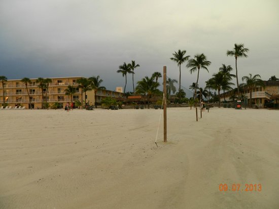 Outrigger Beach Resort: Looking back at hotel