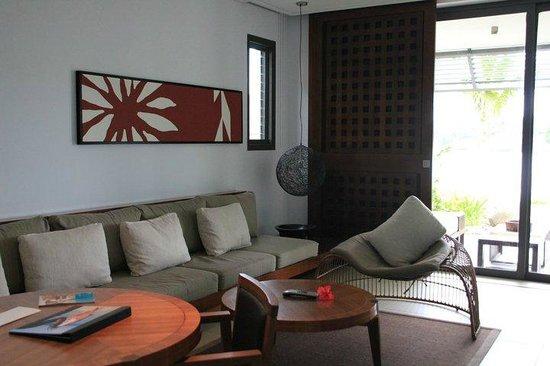 InterContinental Fiji Golf Resort & Spa: common area in room