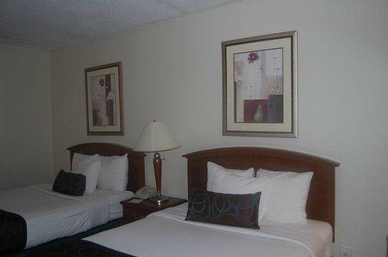 BEST WESTERN PLUS Sterling Hotel & Suites: Quarto
