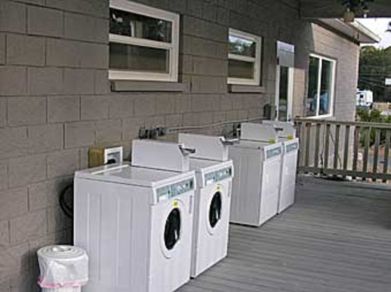 Cedar Key RV Resort: Onsite Laundry Facilities