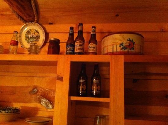 Pinewood Cabins : neat decor