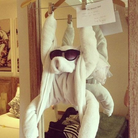 The Breezes Bali Resort & Spa: Towel monkey :)