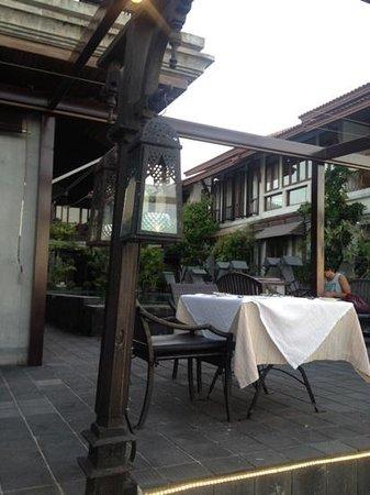 Le Jaroen Restaurant : rustic