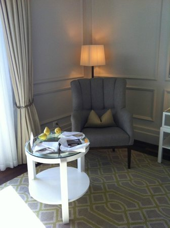 Fairmont Le Montreux Palace: Daily fresh fruit