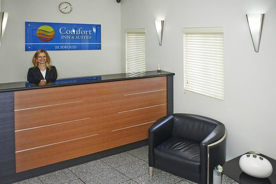 Comfort Inn & Suites Burwood: Hotel Reception