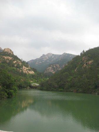 Zhaohu Mountain: A beautiful scene