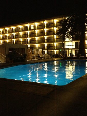 Hotel Paradox, Autograph Collection: Pool at Night