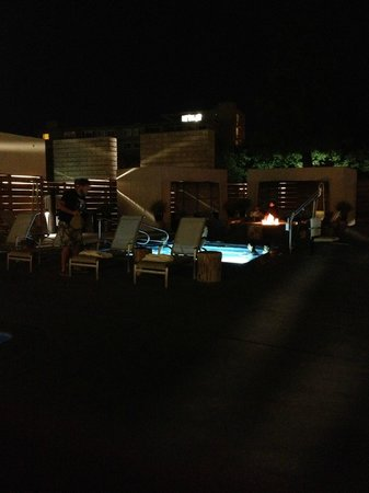 Hotel Paradox, Autograph Collection: Pool & Fire Pit