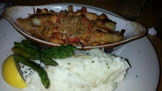 Sheehan's Irish Pub : stuffed flounder