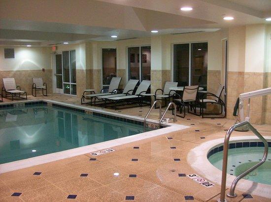Homewood Suites by Hilton Bel Air: Indoor Pool