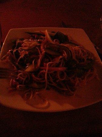 Matterhorn Restaurant @ Powderhorn : Soba duck salad starter