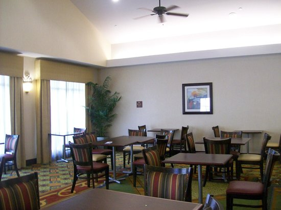 Homewood Suites by Hilton Bel Air: Free Breakfast Area, Dining