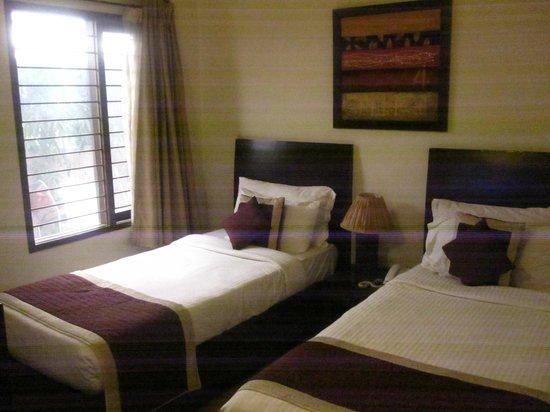 Cabana Hotel: room