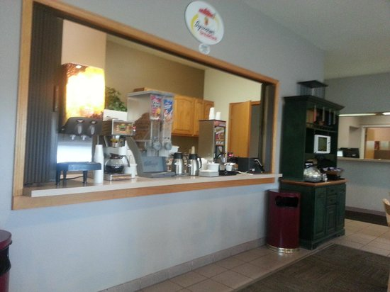Super 8 Mauston: Breakfast area