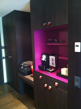 Eastwest Hotel: Part of the minibar