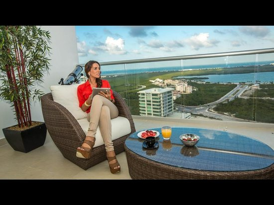 Suites Malecon Cancun : Terraza