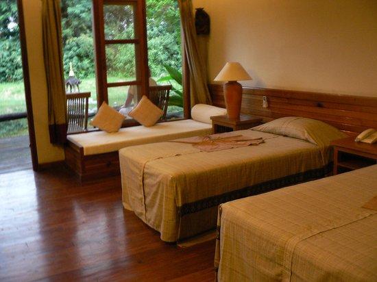 Inle Resort & Spa: Interior of Inle Resort Room